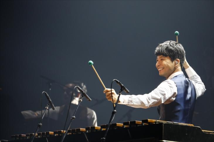 "『Live Tour ""Continues""』をリリースする星野源"