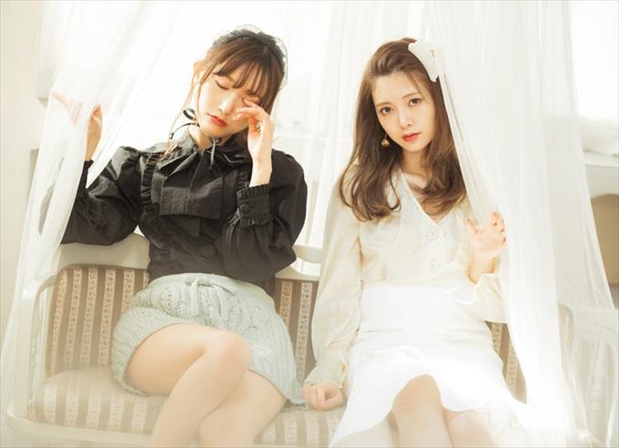 左:白石麻衣、右:菅野結以