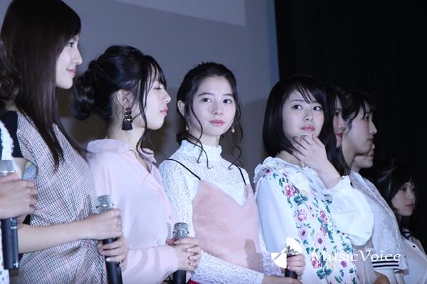 右から志田友美、浜辺美波、桜田ひより(撮影・桂 伸也)