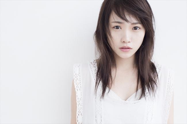 絢香「サクラ」のショートムービーMVに出演する川栄李奈