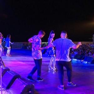 リオで熱唱する中島美嘉と加藤ミリヤ<3>
