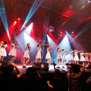 乃木坂46が仏パリで初の海外ライブ、現地ファンから喝采<1>