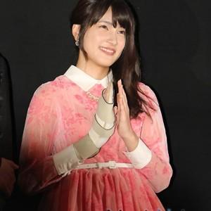 入山杏奈が映画舞台挨拶に登場、公の場で元気な姿
