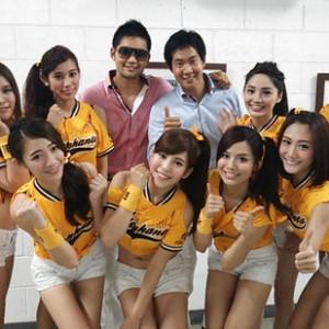 TBS兄弟ユニットが台湾野球戦で歌唱