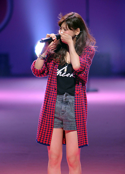 西内まりや「Seventeen」ライブで涙(2014年8月21日)