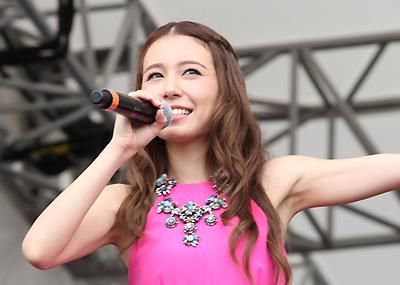 【写真】May J.カラオケ対決4カ月ぶり復帰(2014年9月6日)