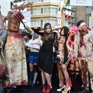 [写真]土屋アンナが新宿でハロウィンパレード