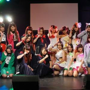 [写真]千葉ご当地アイドルが手を取り夢を与える
