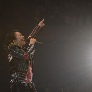 [写真]ドリカム吉田がカウントダウンライブで熱唱