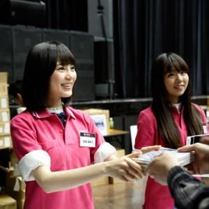 [写真]乃木坂46初アルバムお渡し会に1万人殺到(生田絵梨花)