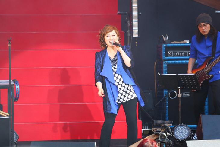 [写真]渡辺美里が30周年記念コンサート【2】