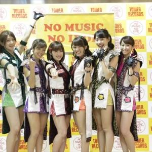 [写真]アプガが新宿でインストアライブ(2)