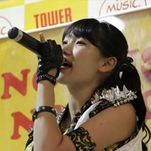 [写真]アプガが新宿でインストアライブ(7)
