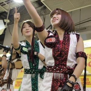 [写真]アプガが新宿でインストアライブ(9)