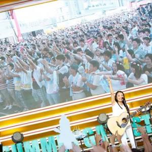 [写真]miwaステージにハジ→(2)