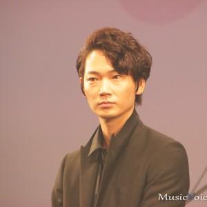 [写真]加藤ミリヤと峯田和伸の歌声に酔う(1)