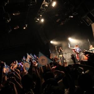 [写真]みみめめMIMIと分島花音対バンライブ(10)