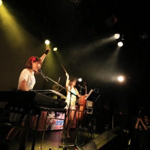 [写真]みみめめMIMIと分島花音対バンライブ(14)