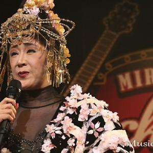 [写真]小林幸子が中川翔子のライブに登場(5)