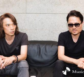 YTとJun Inoue(撮影=冨田味我)