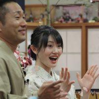 一丁締めに参加したさわやか五郎、小野田紗栞
