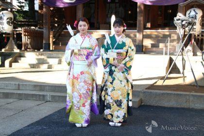 武部柚那(左)と石井杏奈