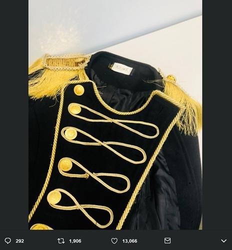 柏木由紀、まゆゆ衣装で「ヘビロテ」 衣装に「渡辺麻友」と書かれたタグ