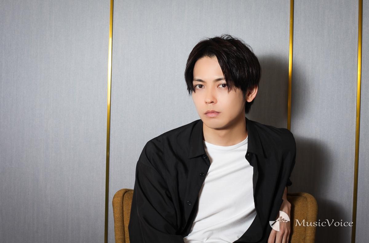猪塚健太「稽古場が好きです」演劇に重ねる青春、美しく咲いて散る花のよう