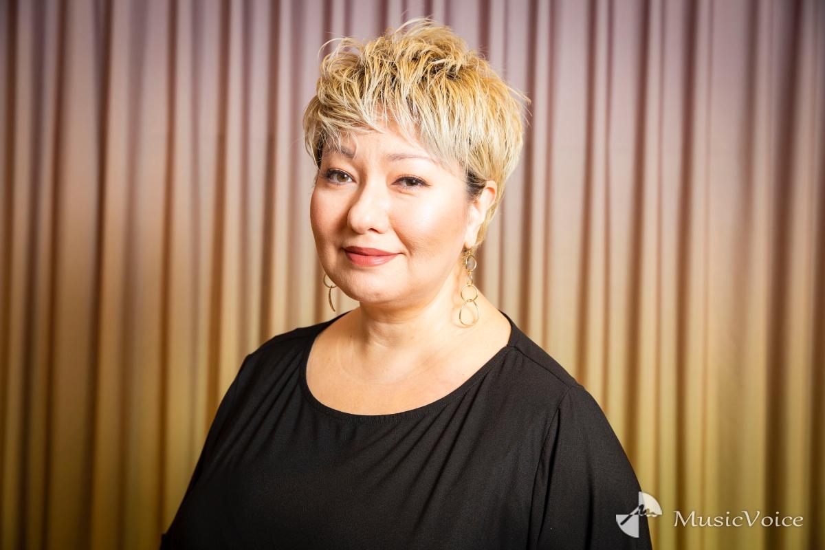 ギラ・ジルカ、50歳でメジャーデビュー ジャズシンガーのルーツに迫る
