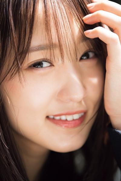 欅坂46菅井友香「CMNOW」表紙、平手友梨奈の気持ちは「受け継いでいる」