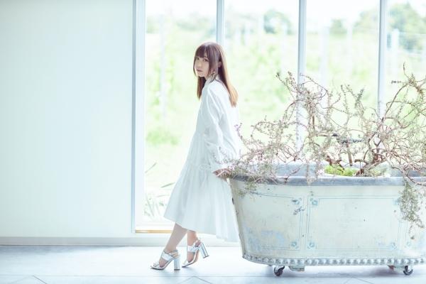 鈴木愛奈「みなさんの癒やしになれたら」困難の時代に歌い上げる優しさ